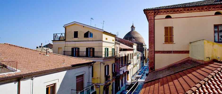 Veduta sui tetti della città e cupola del Duomo di San Flaviano, Giulianova