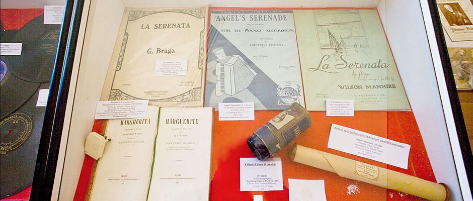 Oggetti della collezione nella Casa Museo Gaetano Braga
